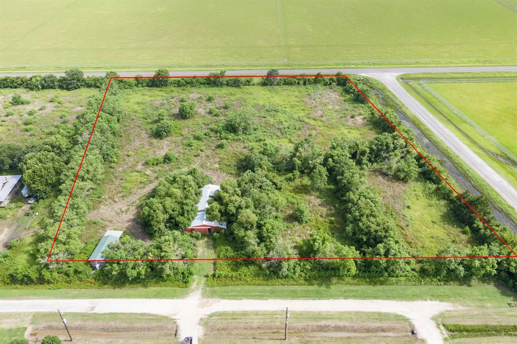 3.473 acres with barn with 7 stalls and tack room.  This property has an agricultural exemption on it.  Culvert to Lane 1 and also to Belton Lane.  *appointment required to view