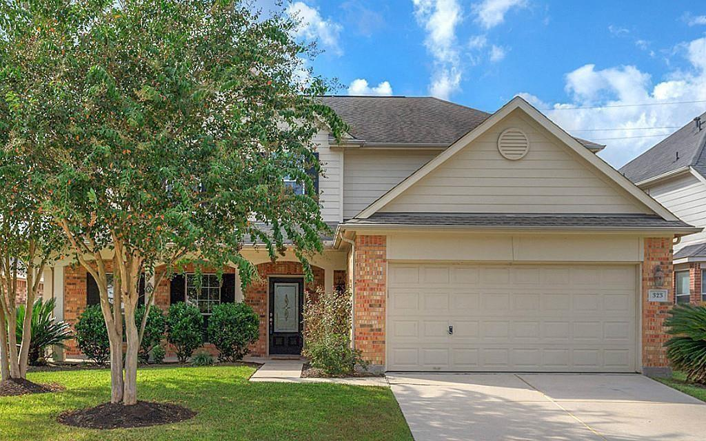 This home has everything you have been looking for and MORE!! Lots of versatile space including upstairs gameroom with built-ins, open kitchen with granite counter-tops, master bedroom down, tile in all the wet areas, and large backyard that backs up to greenbelt. Make your appointment today!
