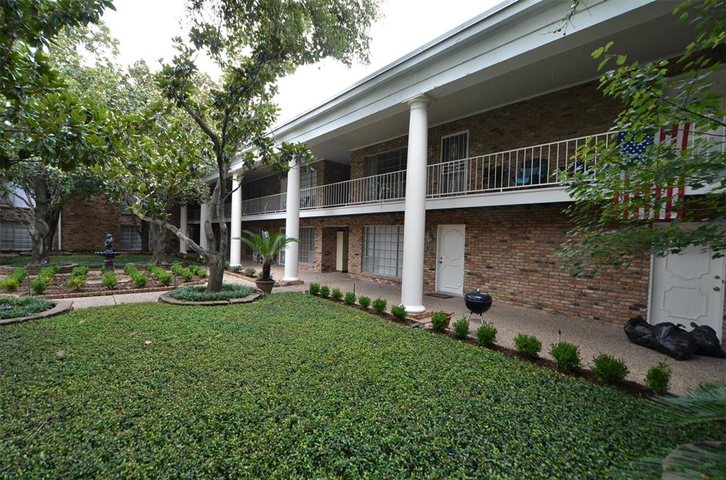2201 Fountain View Drive, Houston, Texas 77057, 1 Bedroom Bedrooms, 3 Rooms Rooms,1 BathroomBathrooms,Townhouse/condo,For Sale,Fountain View,12854162