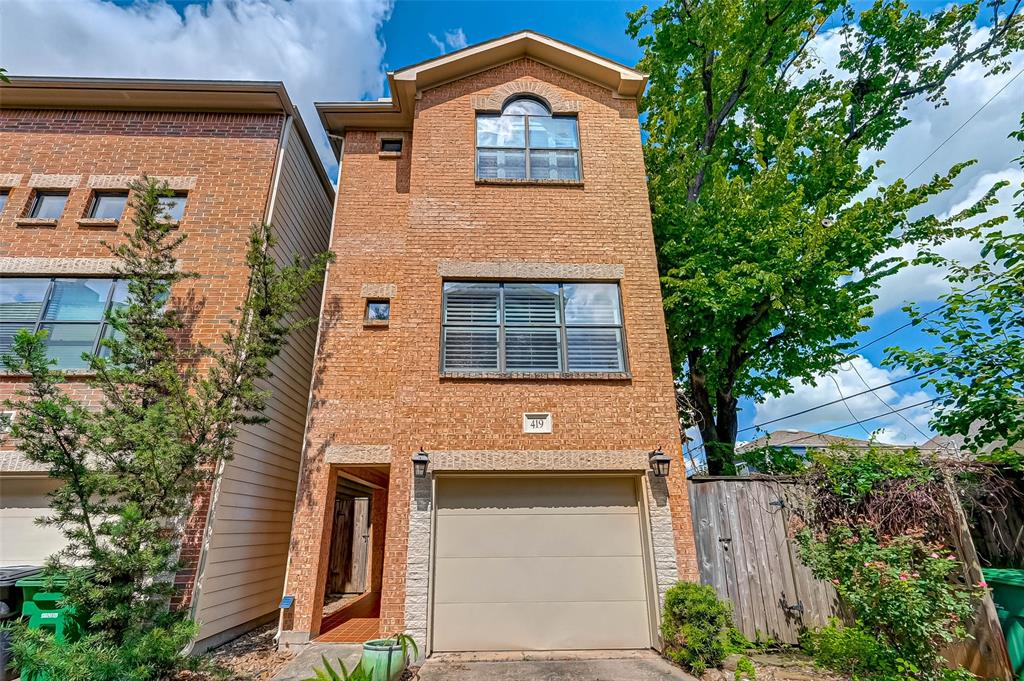 419 26th St, Houston, Texas 77008, 2 Bedrooms Bedrooms, 6 Rooms Rooms,2 BathroomsBathrooms,Single-family,For Sale,26th St,55138238