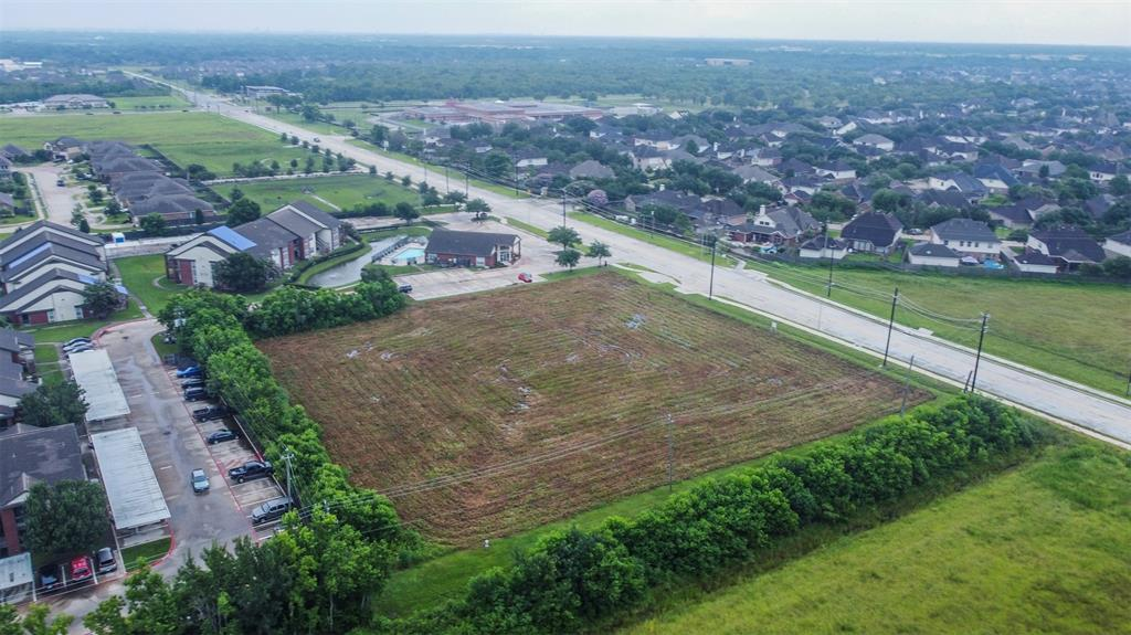 000 Old Alvin Road, Pearland, TX 77581