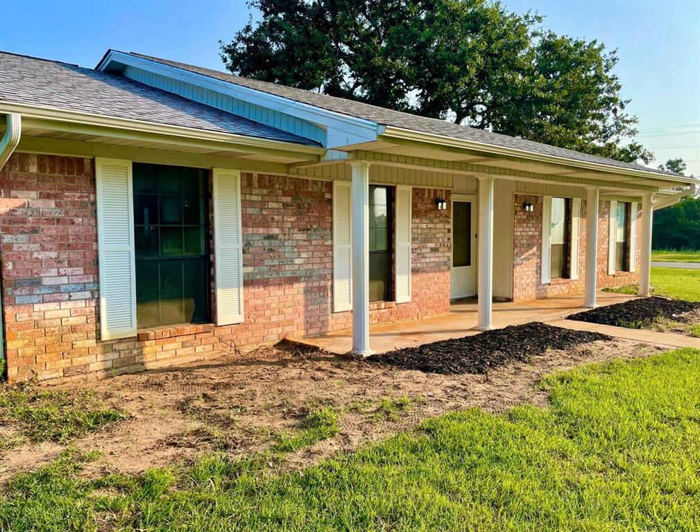 2 Gloccommora Lane, Hilltop Lakes, TX 77871