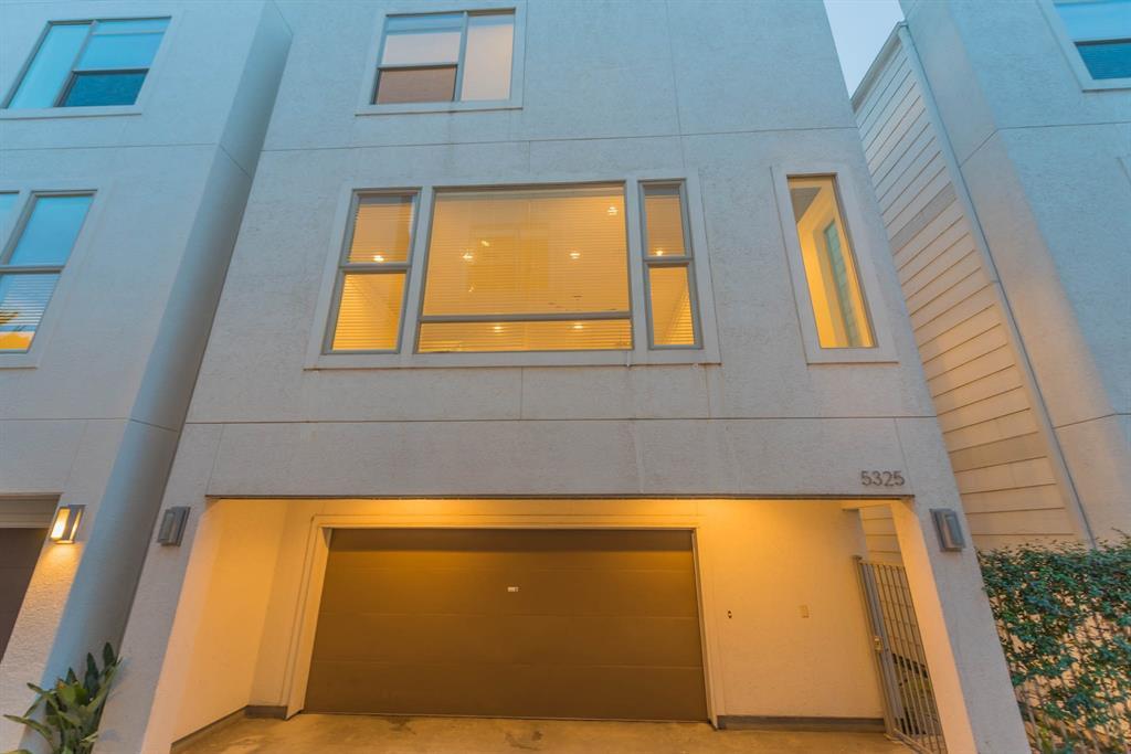 5325 Lillian Street, Houston, Texas 77007, 3 Bedrooms Bedrooms, 7 Rooms Rooms,3 BathroomsBathrooms,Single-family,For Sale,Lillian,38673958