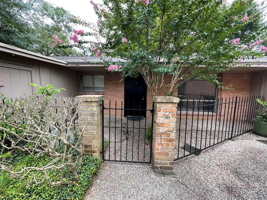 1529 Wirt Road, Houston, Texas 77055, 2 Bedrooms Bedrooms, 5 Rooms Rooms,1 BathroomBathrooms,Rental,For Rent,VILLA SERENA,Wirt,87833699