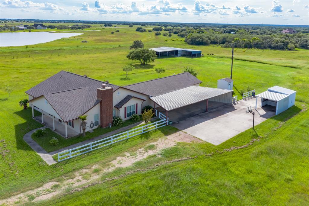 474 Foster RD, Yoakum, TX 77995