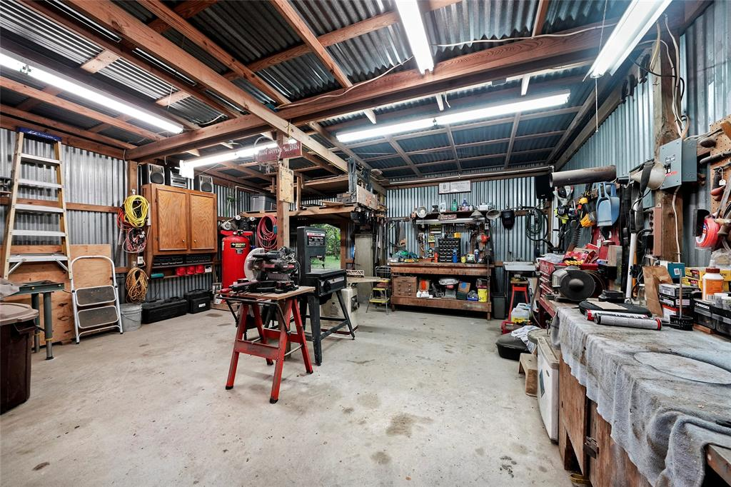 This large barn/workshop is a great space for your weekend projects.
