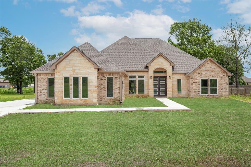 135 Colonial Estates, Bridge City, TX 77611