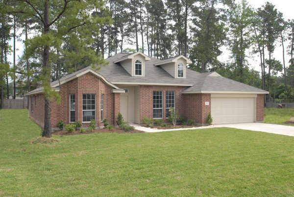 Large one story on huge wooded lot! Acreage community with pool, playground and tennis courts. Close to shopping and schools.