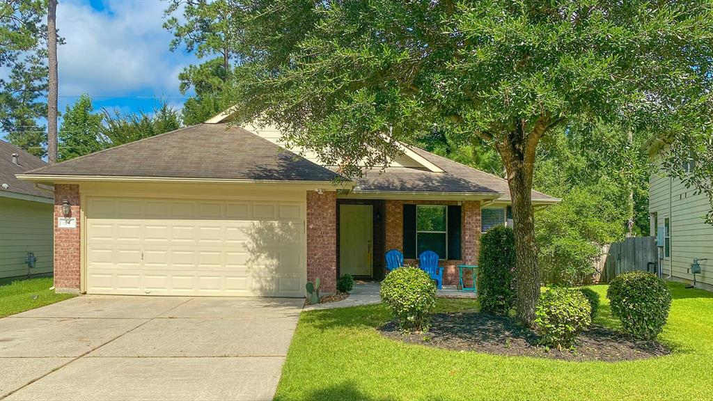 ***1 STORY ***RESERVE LOT **CONROE ISD (The Woodlands Schools) ***WASHER,DRYER,REFRIGERATOR ***3 BEDROOMS ***2 BATHS ***Reserve and oversized lot at the end of a cul de sac.  Elegant and neutral color palette, laminate floors and carpet.  White cabinets with stainless steel appliances, spacious  living room and formal dining room or study. Enjoy The Woodlands life, walking trails, public pools, exemplary schools.  DERETCHIN ELEMENTARY K-6