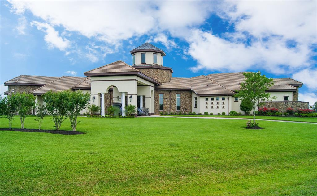 418 Lakeview, Dickinson, TX 77539