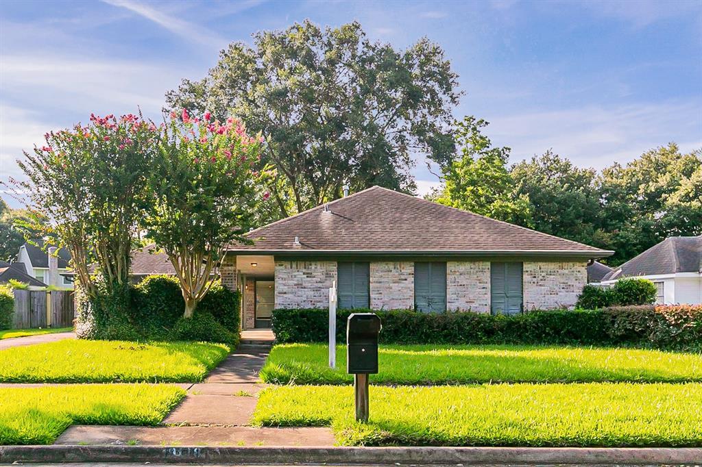 9118 Weymouth Drive, Houston, TX 77031