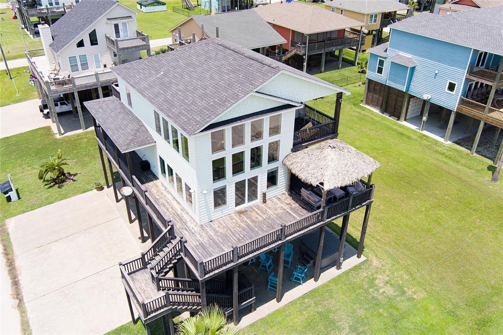 1349 Emerald Dr, Crystal Beach, TX 77650