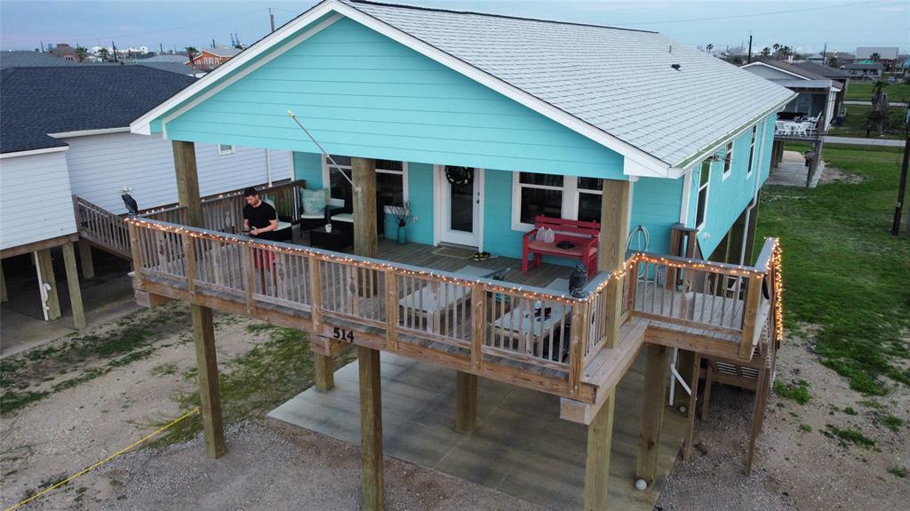 514 Beach Drive, Surfside Beach, TX 77541
