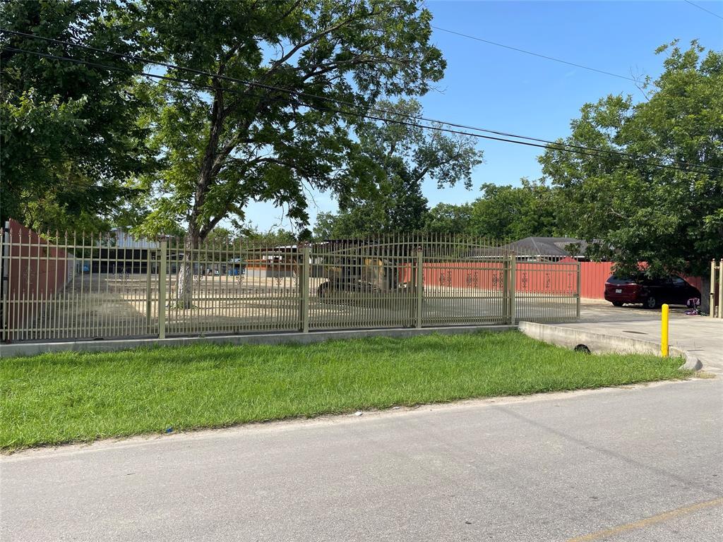 2605 Lone Oak Road, Houston, TX 77093