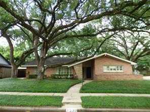 3530 Sun Valley Drive, Houston, TX 77025