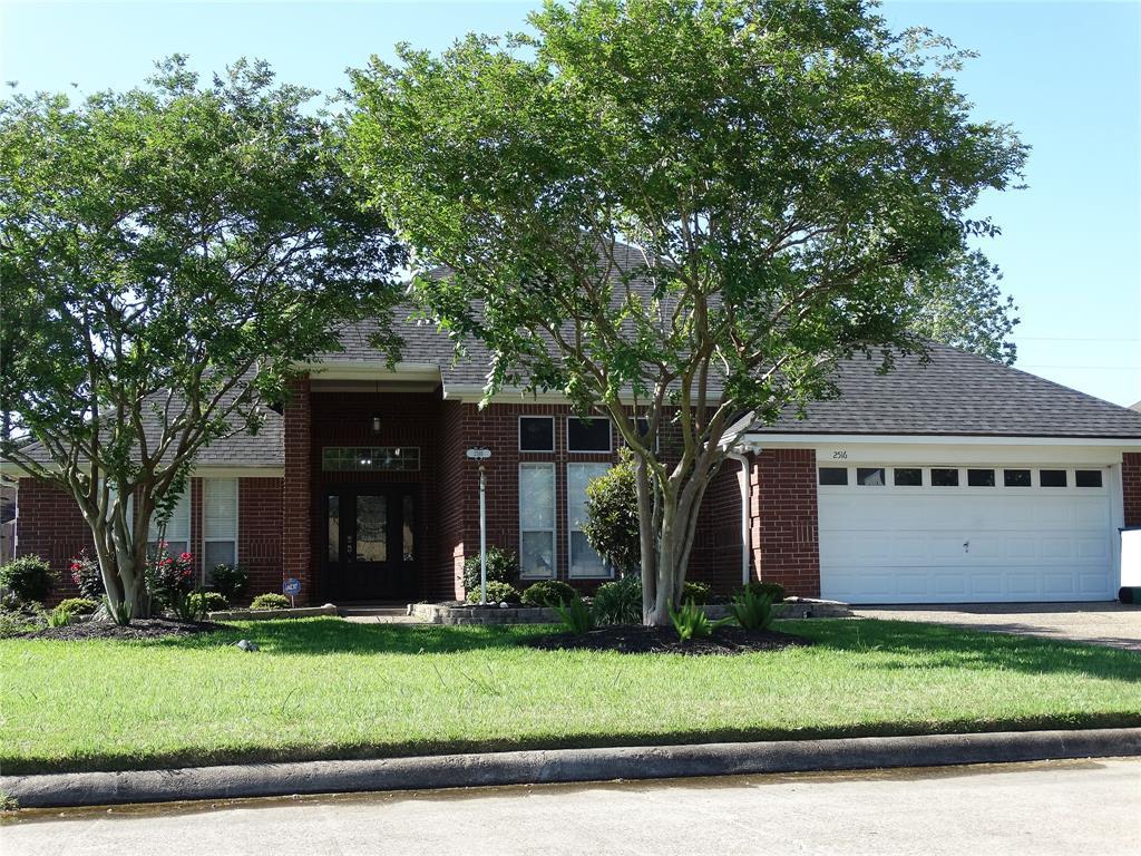 2516 Golden Oak Drive, Orange, TX 77632