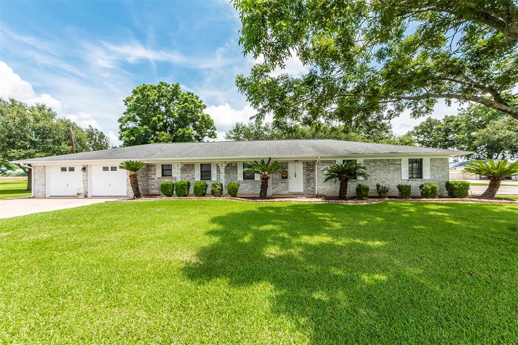 1365 County Road 313, Louise, TX 77455
