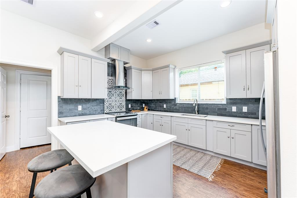 You'll love cooking in this gorgeous kitchen.