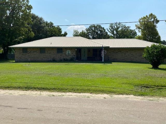 176 Pickard Road, Zavalla, TX 75980