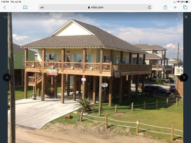 970 S Stingaree Drive, Crystal Beach, TX 77650