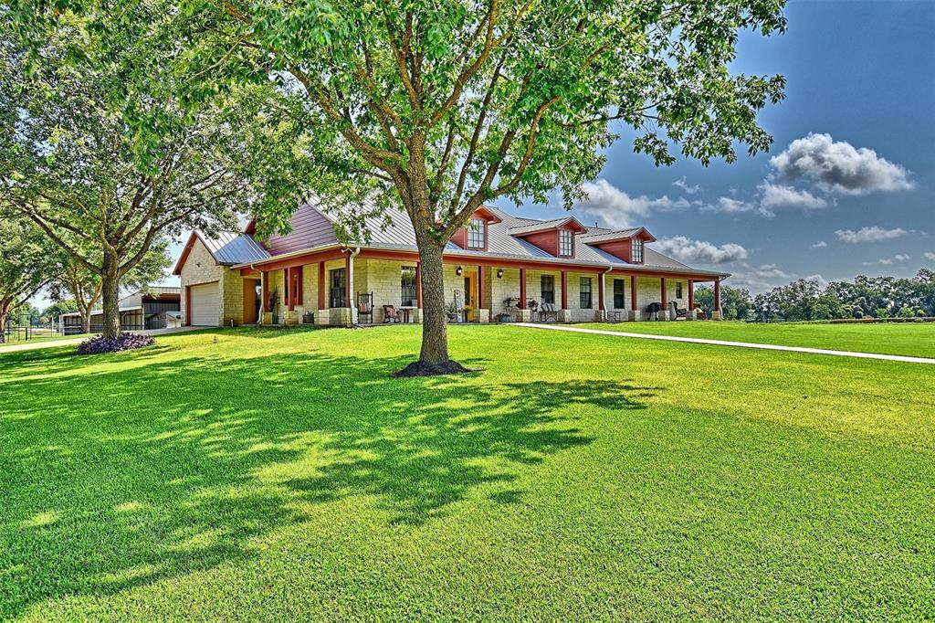 1031 Huebel Lane, Columbus, TX 78934