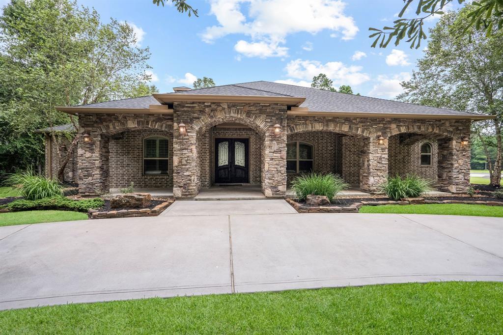 11853 White Oak Pass, Conroe, TX 77385