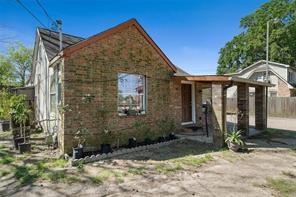 410 Plymouth Street, Houston, TX 77022