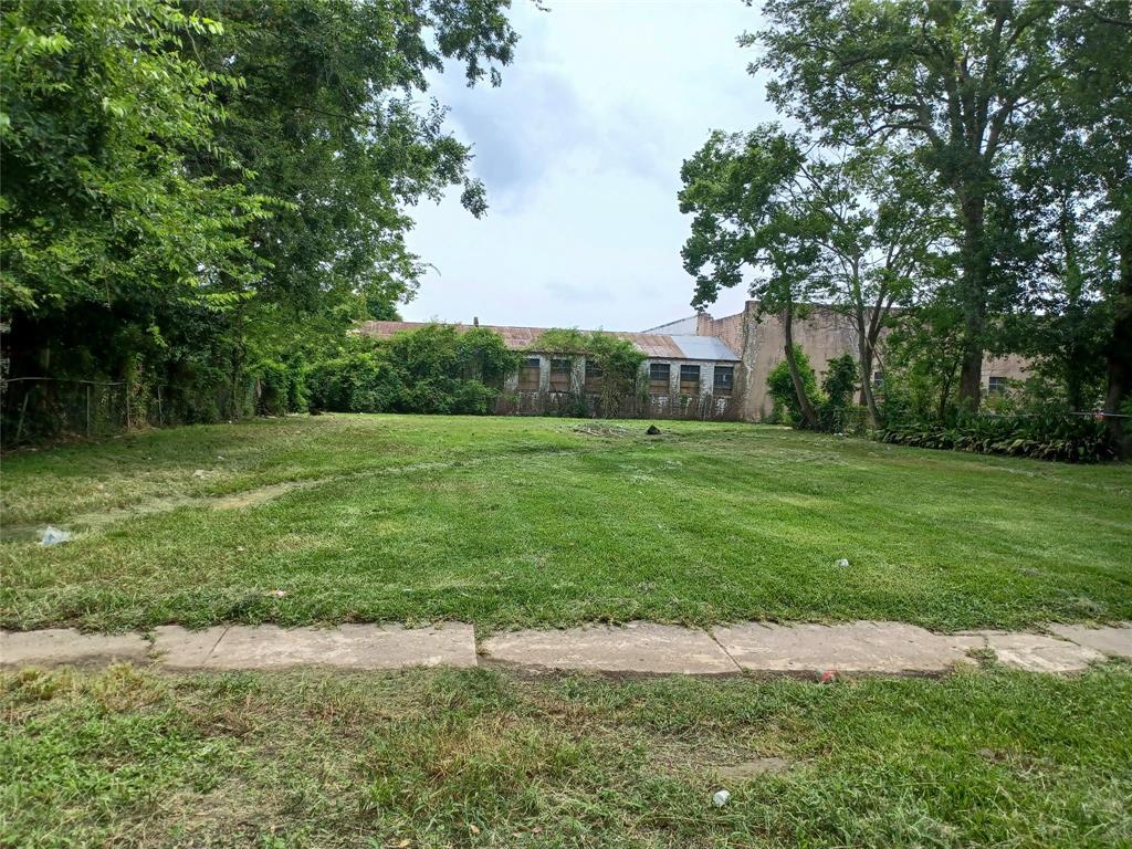1275 Mcfaddin Street, Beaumont, TX 77701