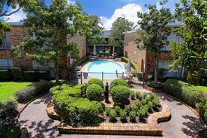 2121 Fountain View Drive 36D, Houston, TX 77057