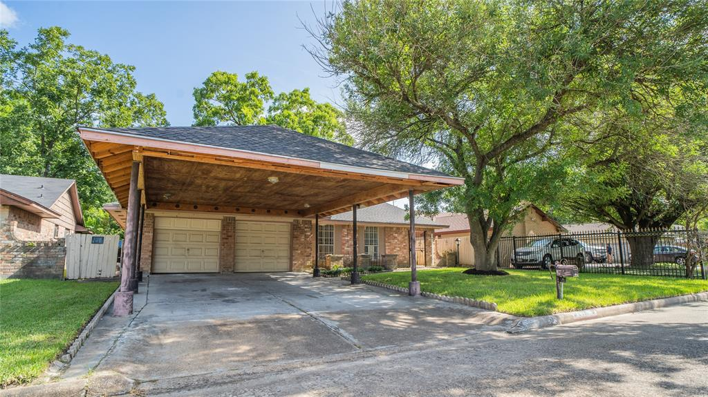 2511 Charriton Drive, Houston, TX 77039