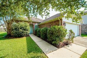1330 Collier Point Ln, Fresno, TX, 77545