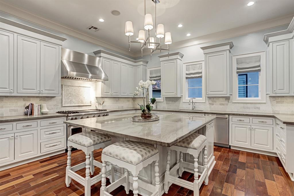 1818 Nantucket Drive Drive, Houston, Texas 77057, 3 Bedrooms Bedrooms, 8 Rooms Rooms,3 BathroomsBathrooms,Single-family,For Sale,Nantucket Drive,39796631