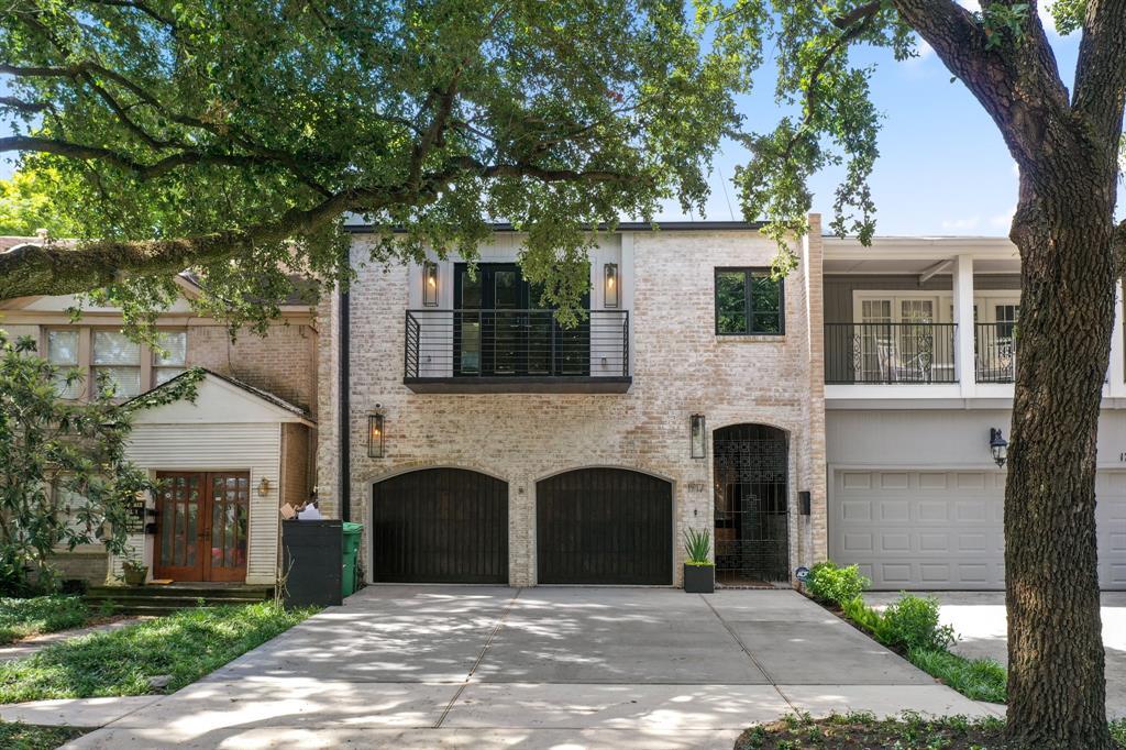 1717 2 Banks Street, Houston, Texas 77098, 2 Bedrooms Bedrooms, 7 Rooms Rooms,2 BathroomsBathrooms,Townhouse/condo,For Sale,Banks,61774196