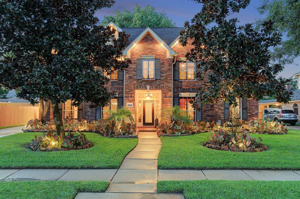 4215 Island Hills Drive, Houston, TX 77059