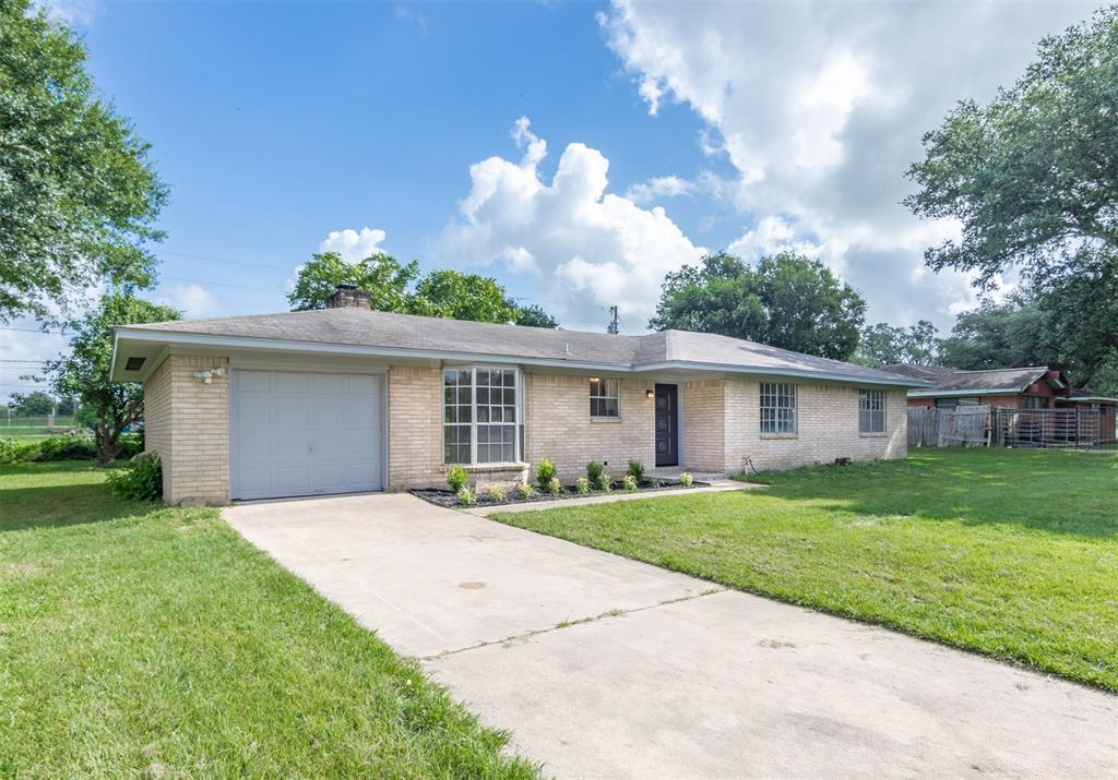 102 Bledsoe Street, Prairie View, TX 77446