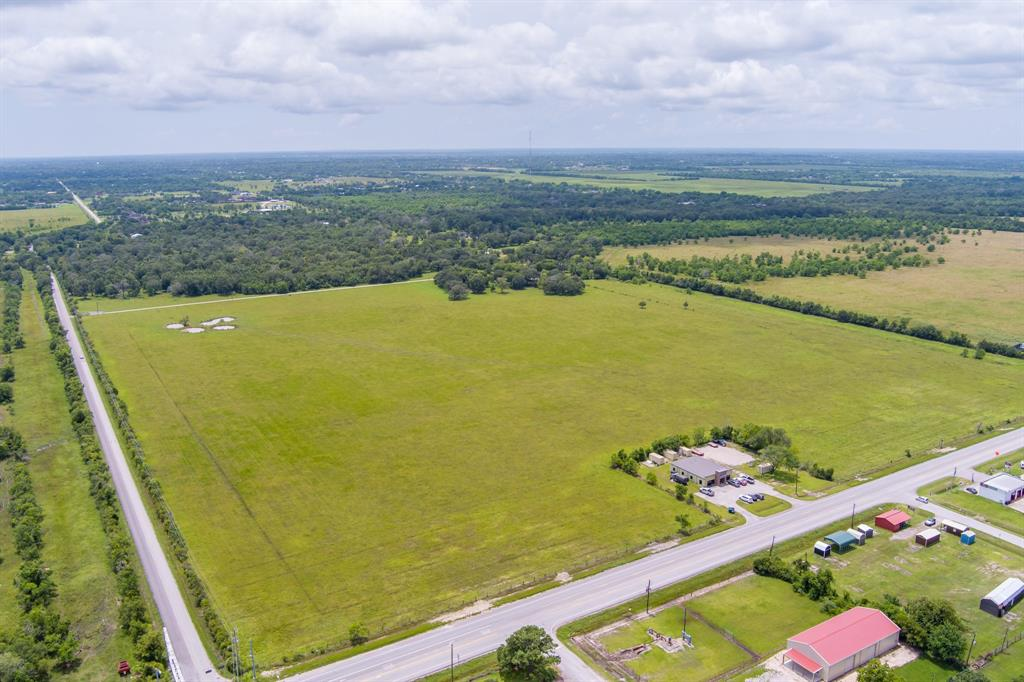 444 Cemetery Road, Dickinson, TX 77539
