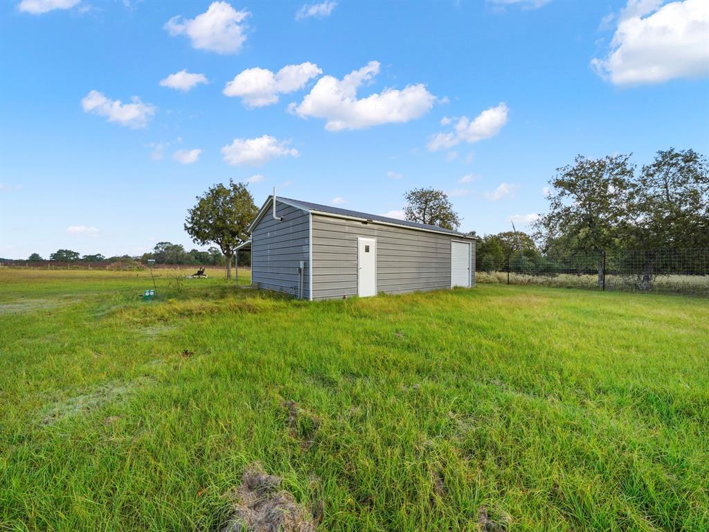 246 County Road 152, Hallettsville, TX 77964