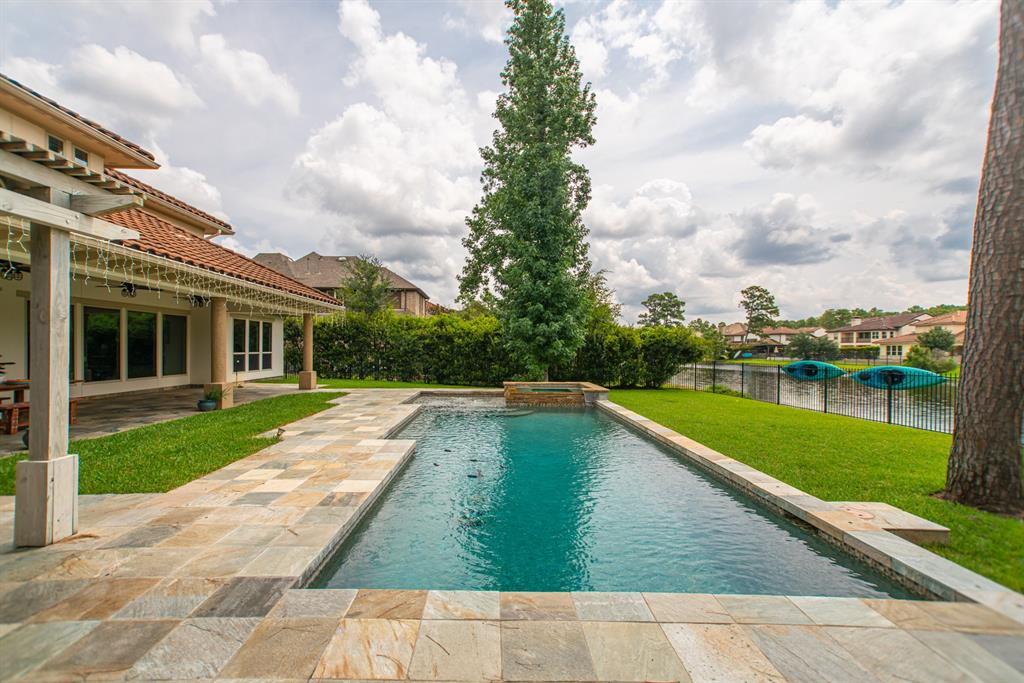 43 Paloma Bend Place, The Woodlands, TX 77389