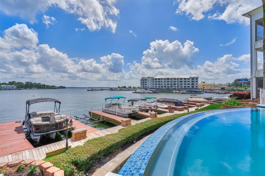 168 1 Lake Point Boulevard, Conroe, Texas 77356, 2 Bedrooms Bedrooms, 2 Rooms Rooms,2 BathroomsBathrooms,Townhouse/condo,For Sale,Lake Point,84297970