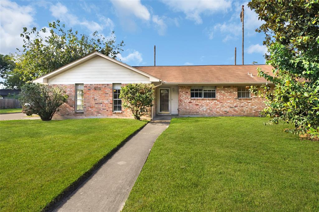 403 Sulky Trail Street, Houston, TX 77060