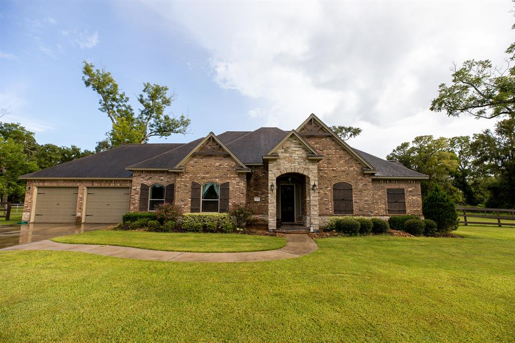 5745 County Road 823 Road, West Columbia, TX 77486