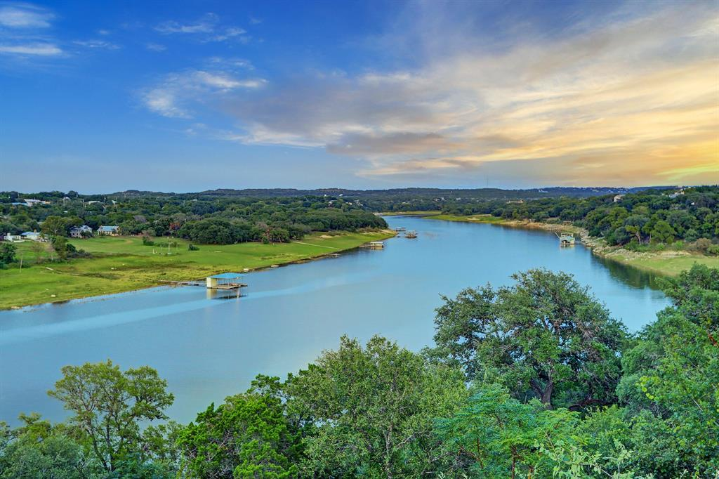 705 Nomad Drive, Spicewood, TX 78669