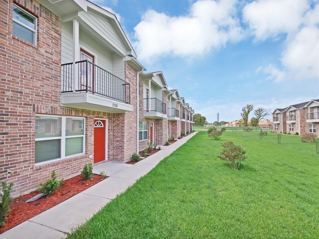 211 Fairfax Ln Lane, Pasadena, TX 77502