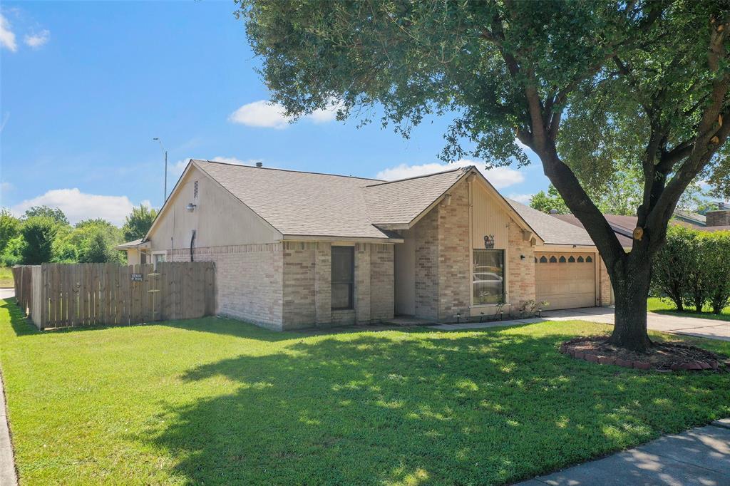 10154 Northview Drive, Houston, TX 77086