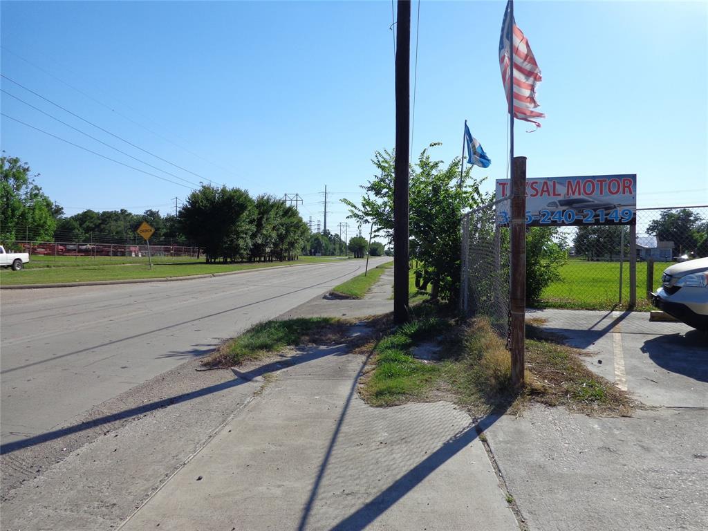 11727 Wallisville Road, Houston, TX 77013