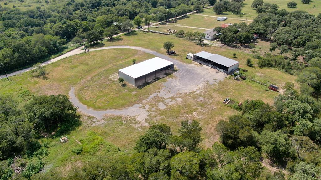 695 County Rd 488, Gonzales, TX 78629