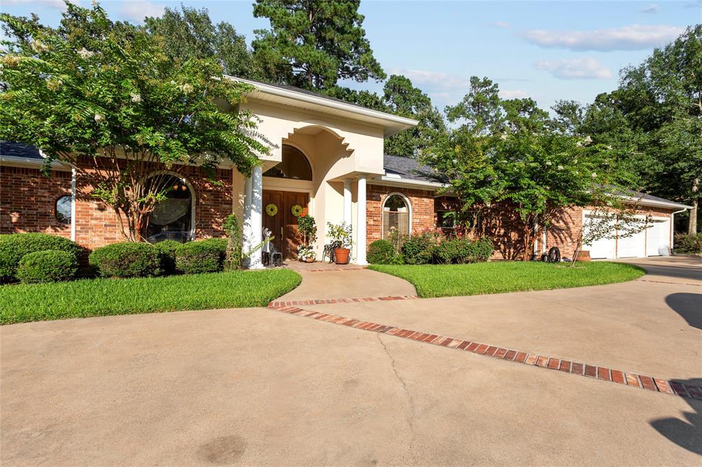 305 Innisbrook Drive, Lufkin, TX 75901