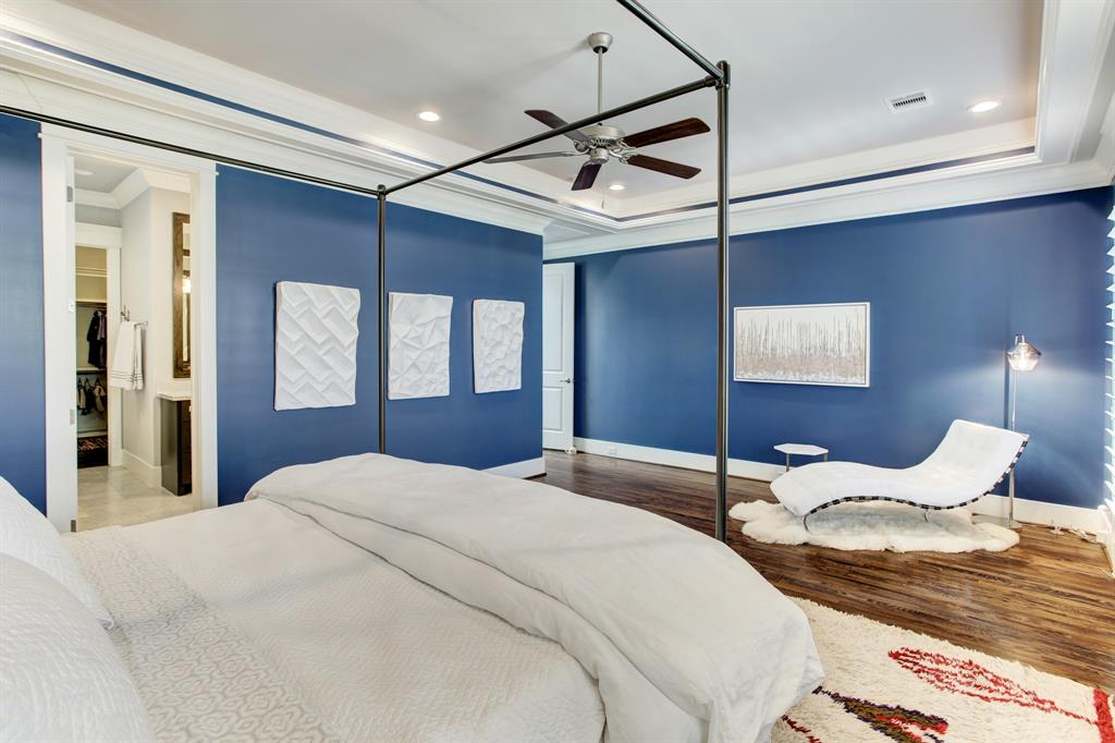 Art collectors will love this room and its wall space for their favorite pieces, or photos.