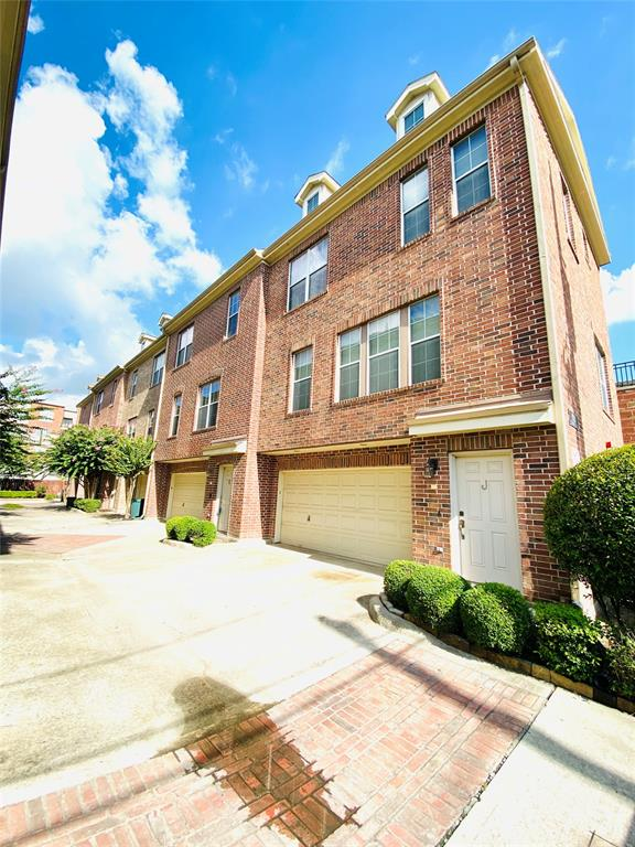 1913 Gillette Street, Houston, Texas 77006, 2 Bedrooms Bedrooms, 5 Rooms Rooms,2 BathroomsBathrooms,Rental,For Rent,Gillette,57608160
