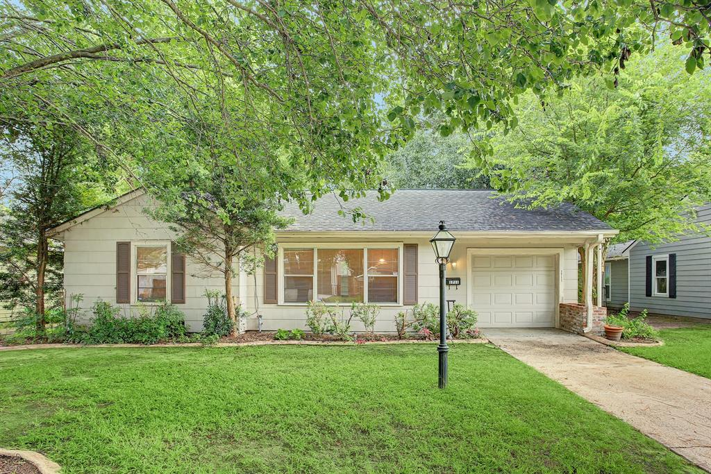 This head-turner is available at a great price point and allows the next owner to get into an amazing neighborhood at a bargain!
